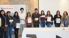 Nova Austral entrega becas a estudiantes de Porvenir