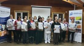 Apoyados por Camanchaca: vecinos de Los Bajos reciben capacitación