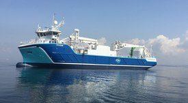 Barco híbrido entregará alimentos a BioMar de forma más ecológica