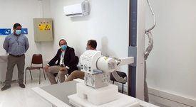 Campaña salmonicultora dona sistema radiológico a posta rural de Melinka
