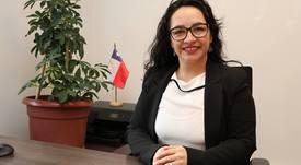 Gobernadora de Aysén afirma que debe regularse capacidad de carga salmonicultora