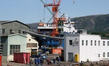 Begjærer oppbud i sine to tidligere skipsverft