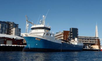 Mann døde etter fall fra Rostein-båt