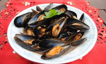 Eating mussels 'better for planet than being vegan'