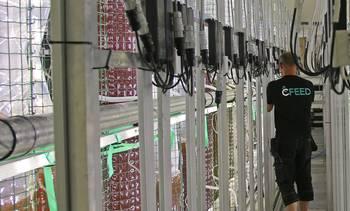 Produserer levendefôr med hemmelig teknologi