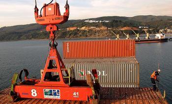Exportaciones regionales caen en un 18 % por crisis del salmón