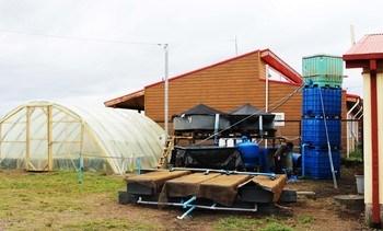 Incar y Liceo Insular De Achao inauguran sistema de acuiponía a pequeña escala