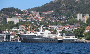 Har du 4,3 millioner igjen av feriepengene kan du leie denne yachten for en uke