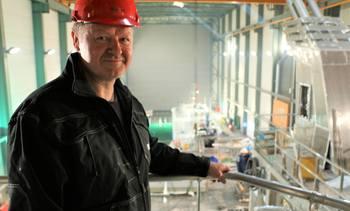 Norges største aluminiumkatamaran til oppdrett under bygging