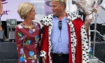 En glad Laksekonge i Stavanger