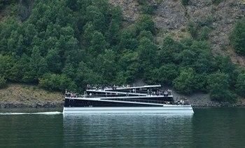 The Fjords kjøper sitt tredje karbonfiberskip fra Brødrene Aa.