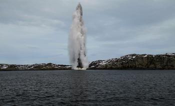 Her sprenges torpedoene fra «Helge Ingstad»