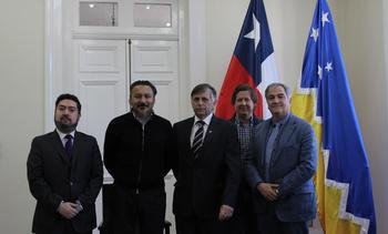 Salmonicultores se reúnen con nuevo Intendente de Magallanes