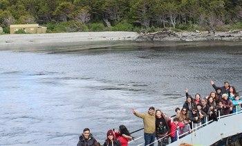 Comunidad Kawésqar mostró su cultura a vecinos de Punta Arenas