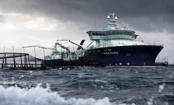 Bli med om bord i «Ronja Storm» - verdens desidert største brønnbåt