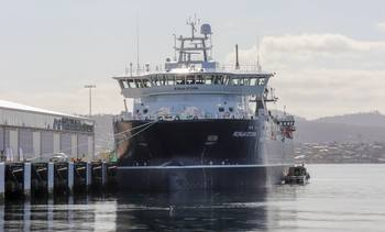 «Ronja Storm» fremme ved Tasmania