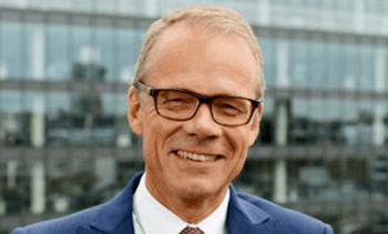 Renuncian dos importantes ejecutivos de Benchmark