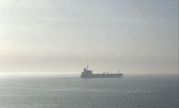- Norske sjøfolk isoleres om bord, og lenkes til skipet
