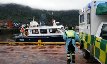 Aysén: Realizan primer simulacro de evacuación de operario con covid-19