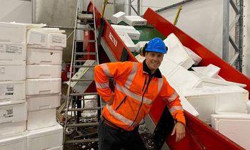Logran reutilizar cajas de plumavit con innovador sistema compresor