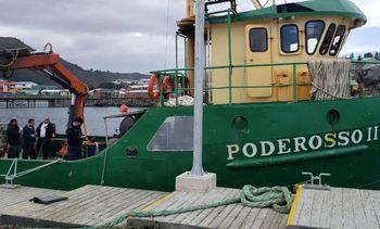 Reportan muerte de buzo en embarcación que presta servicios a AquaChile