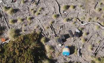 SalmonChile impulsa plan para prevenir llegada de residuos a borde costero