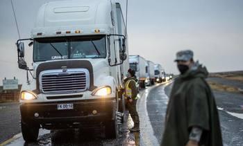 Fin de movilizaciones de camioneros destraba envíos de salmón magallánico