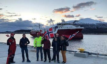 Primer wellboathíbrido de gas/batería del mundo llega a destino con éxito