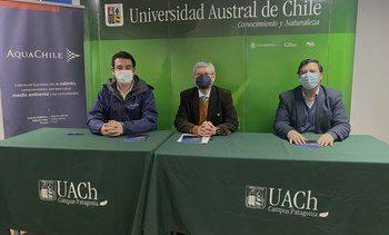 AquaChile firma acuerdo para potenciar a profesionales y técnicos en Aysén