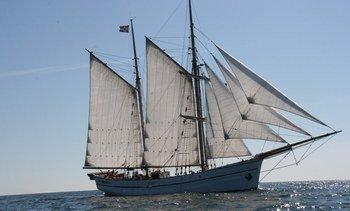 Historisk seilskute til AquaNor